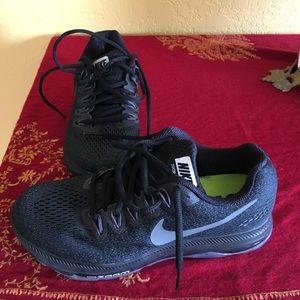 Women's Nike running shoes 👟
